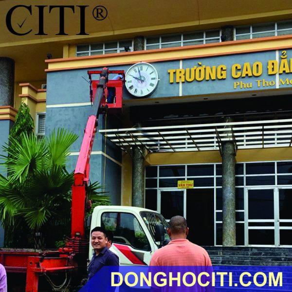 DONG HO NGOAI TROI TRUONG CAO DANG PHU THO